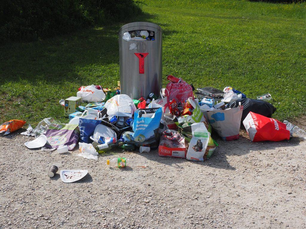 Überfüllte Mülltonne? Zeit für einen Container